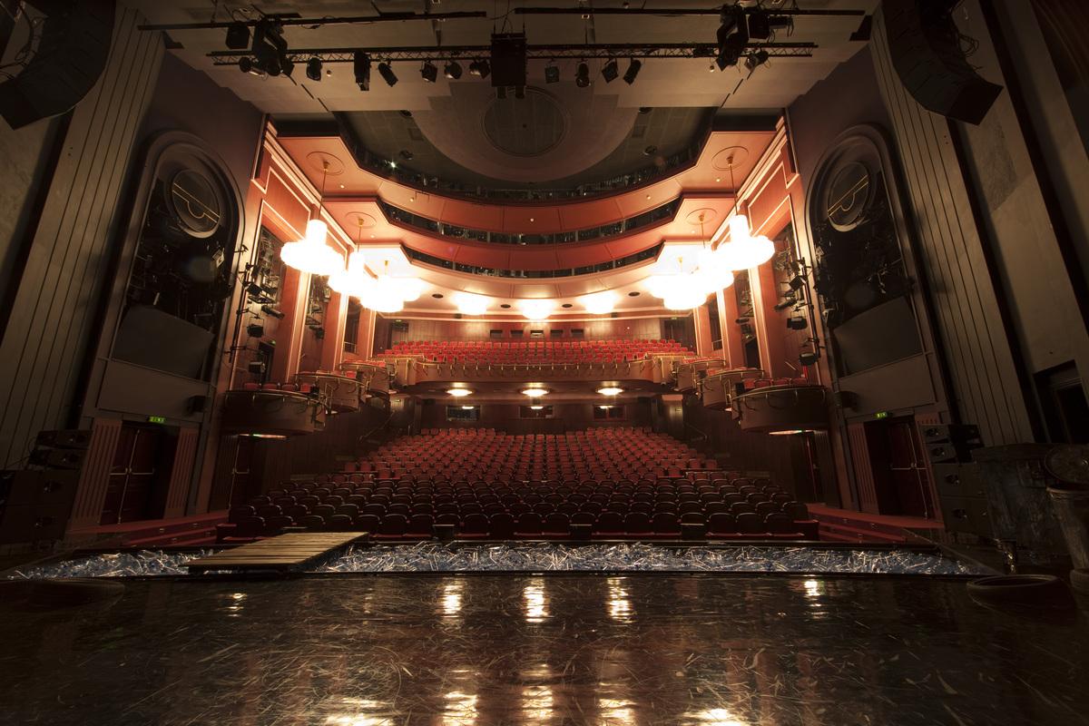 realizacje-teatr-narodowy-widownia